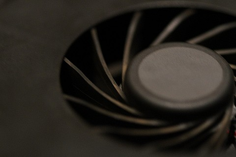 Clean fan blades